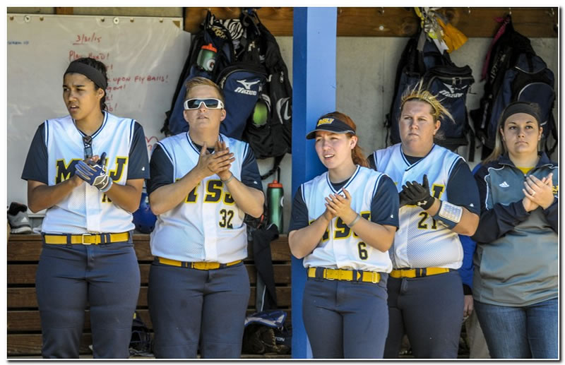Mount softball team ends season with a twin-bill split at Rose-Hulman