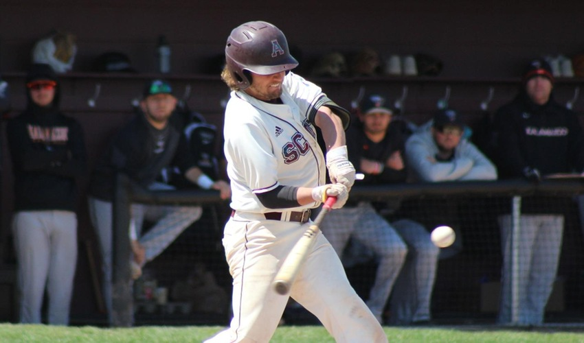 Baseball Splits Home Doubleheader With Hornets