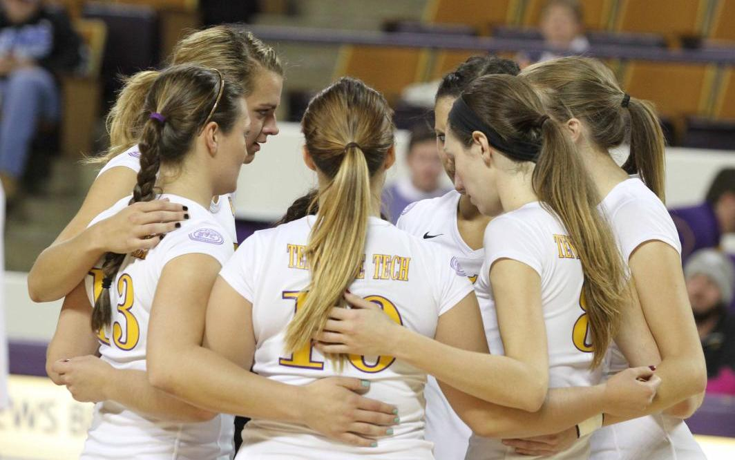 Golden Eagle Volleyball receives OVC Team Sportsmanship Award