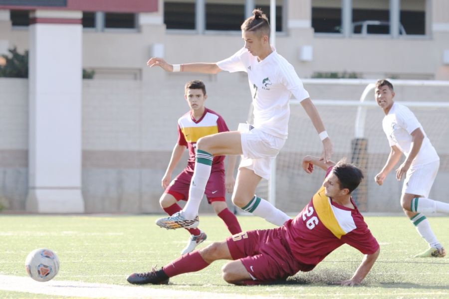 Late Goal Gives Men's Soccer 2-1 Win Over ELAC