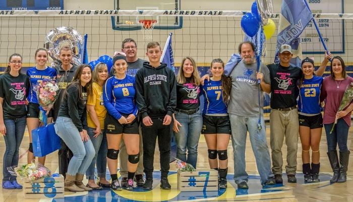 Pioneers Sweep Senior Day Tri-Match
