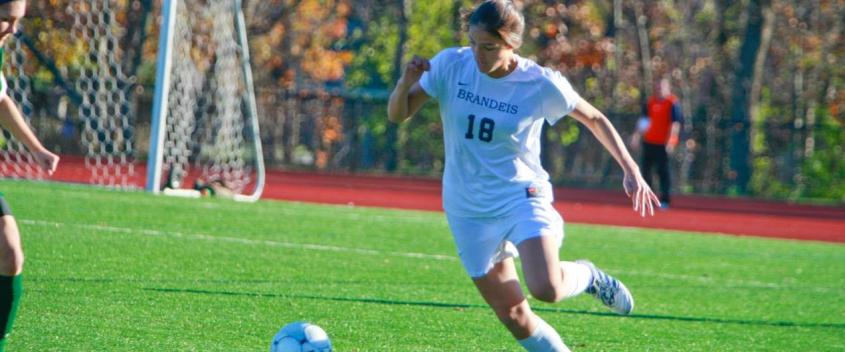 #22 Women's soccer suffers third-straight loss, 2-0, at Roger Williams