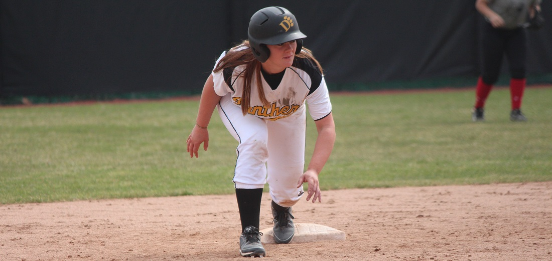 Softball Defeats No. 9 Southern Indiana, Falls To RV Indianapolis