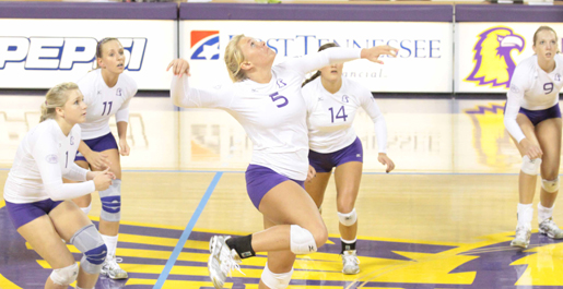 Volleyball cruises to a sweep of UT Martin