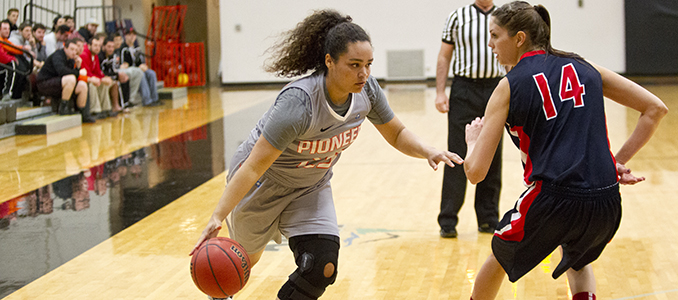 Women's Basketball Ends Road Trip at Whitworth