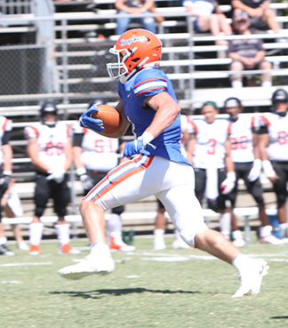Win Hunter, Pomona-Pitzer, Football Offensive Athlete of the Week