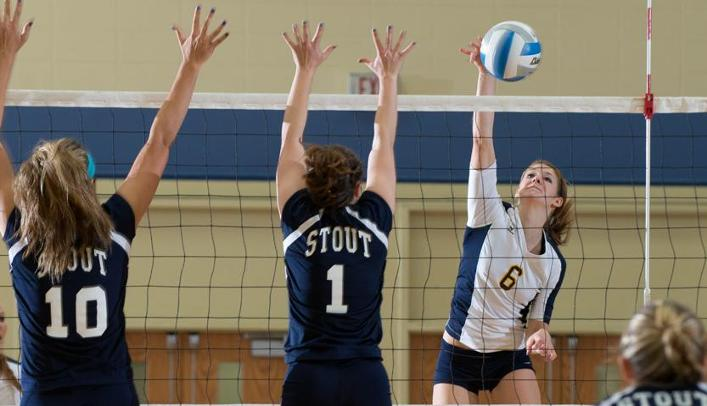 Blugold Volleyball Splits on Opening Day in Minnesota