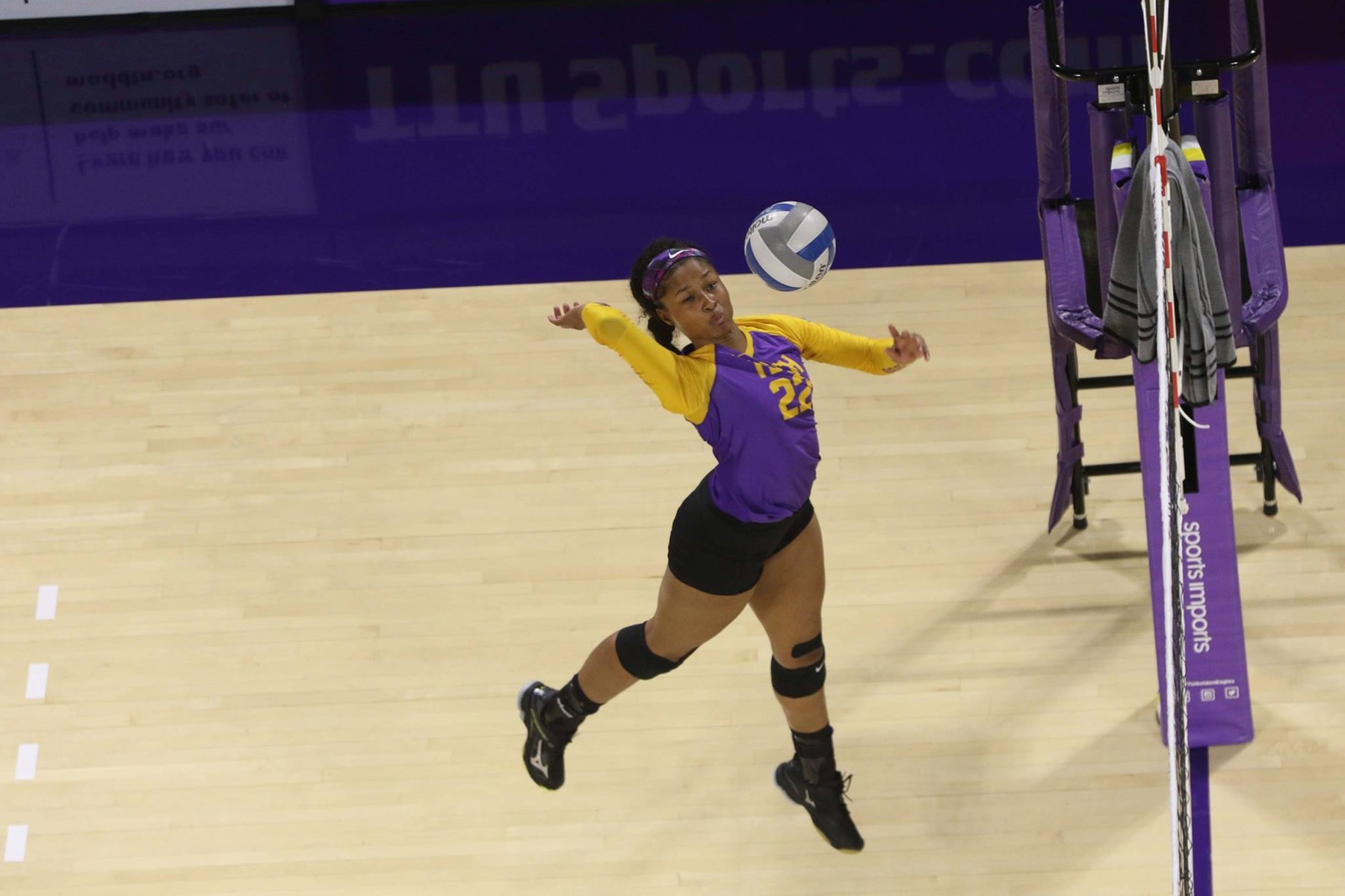 Tech falls in five-set thriller at Eastern Kentucky