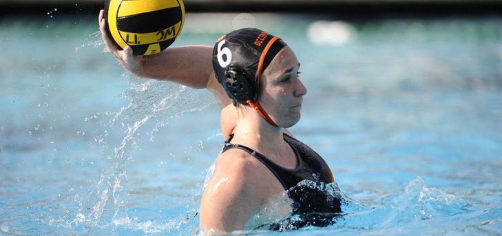 Zurcher Leads Oxy Past Macalester
