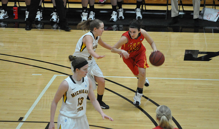 Big Second Half Leads MTU Past FSU In Women's Game