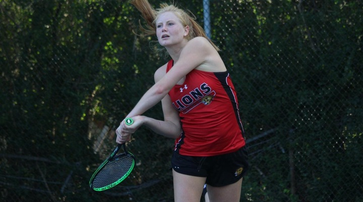 Women's Tennis Blanked by Endicott Saturday