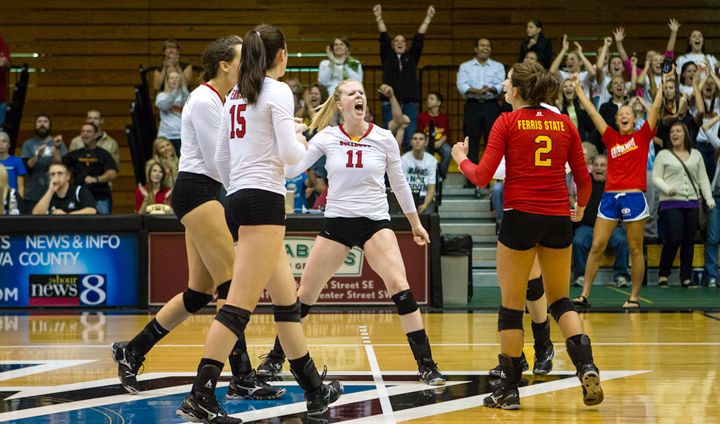 FSU Volleyball Beats GVSU For Third-Straight Time