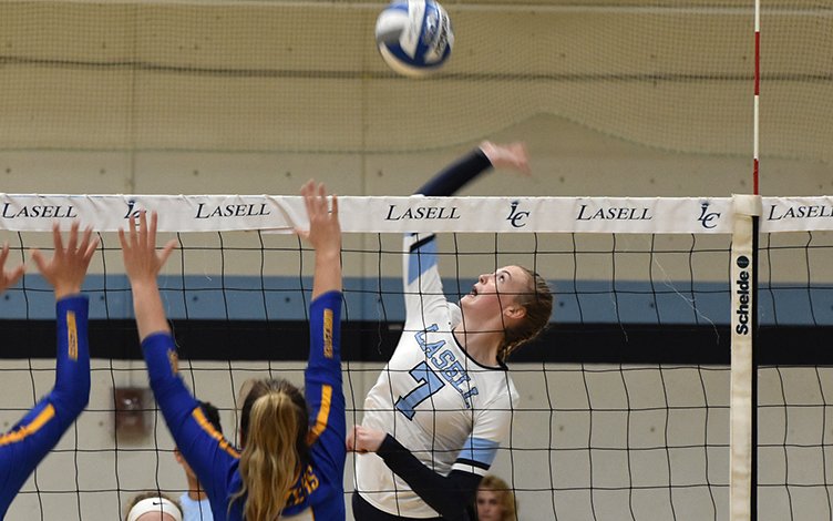 WVB: Worcester State outlasts Lasell in five sets