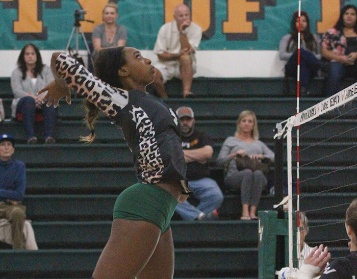 No. 18 Volleyball rolls at Chapman
