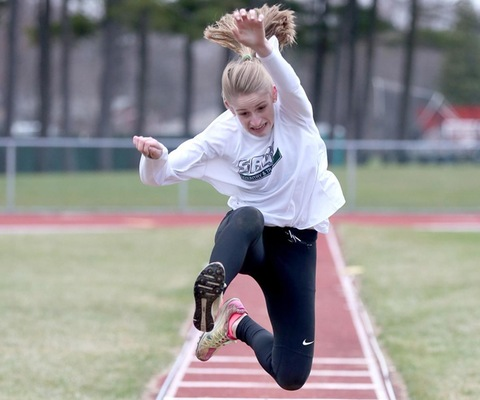 Sage women's track team picks up 4th at Mt. Holyoke Spring Fling Meet