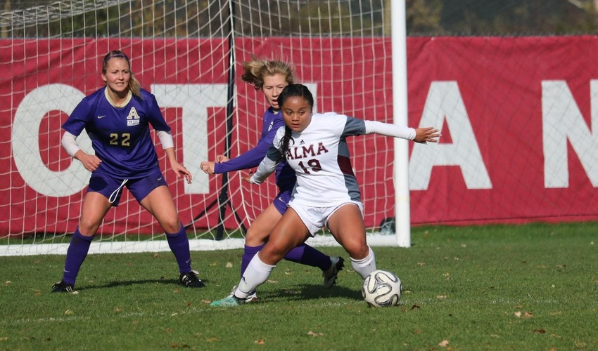 Women's Soccer Posts Second Win Behind Three Goal Effort