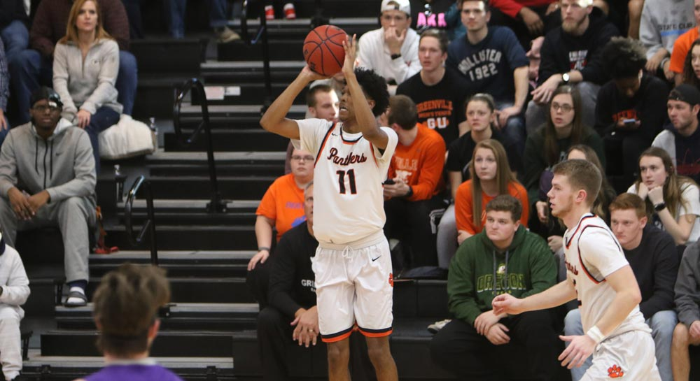 Men's basketball earns overtime win at home over Fontbonne