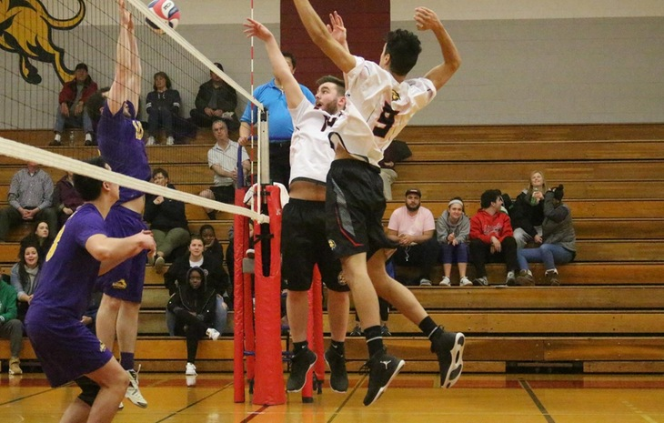 Men's Volleyball Falls to Emmanuel, No. 11 Wentworth