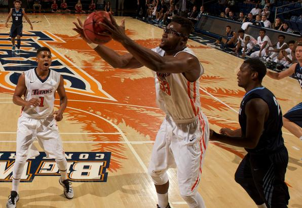 Cal State Fullerton Holds on to Defeat UC Davis 61-57
