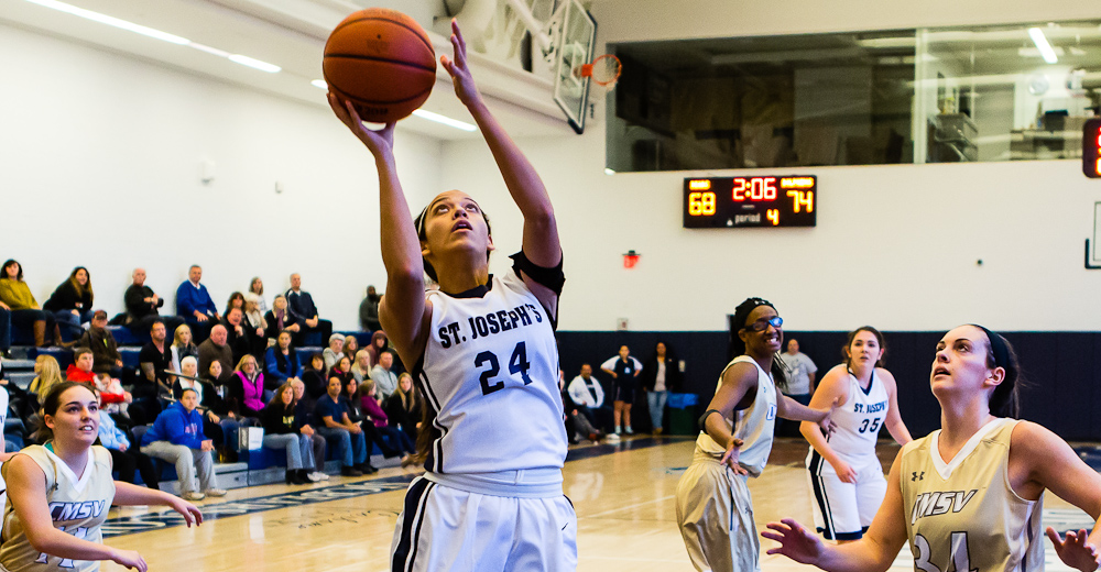 Senior Kristen Candelaria had a season-high 9 points with a game-high 15 rebounds.