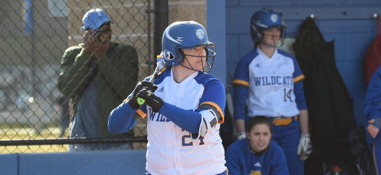 Johnson & Wales Softball Sweeps Regis