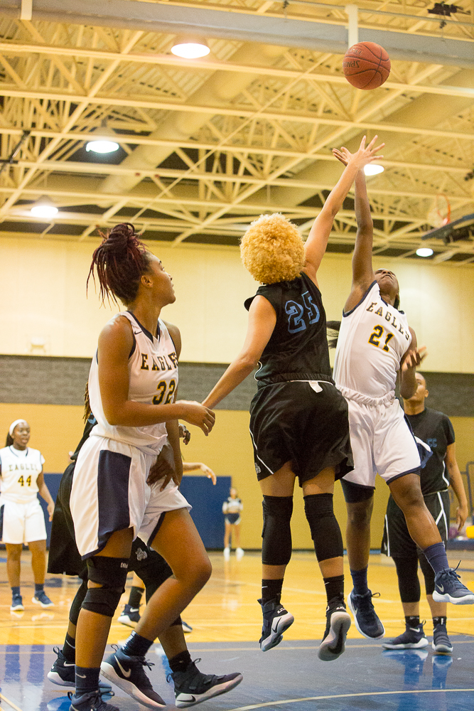 WBB: Eagles Take Care of Business