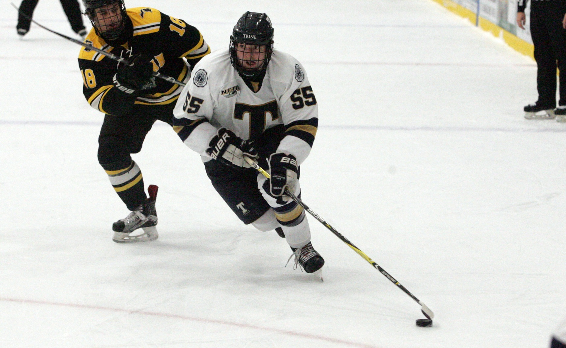 Men's Hockey Picks up First Win of Season