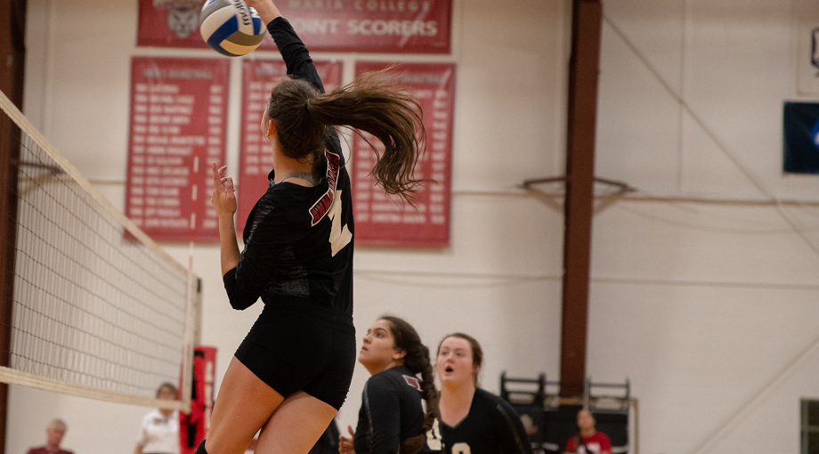 Volleyball Blanked by Rhode Island College