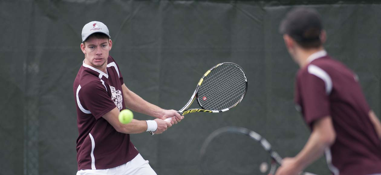 Men's Tennis Eases Past Western New England, 8-1