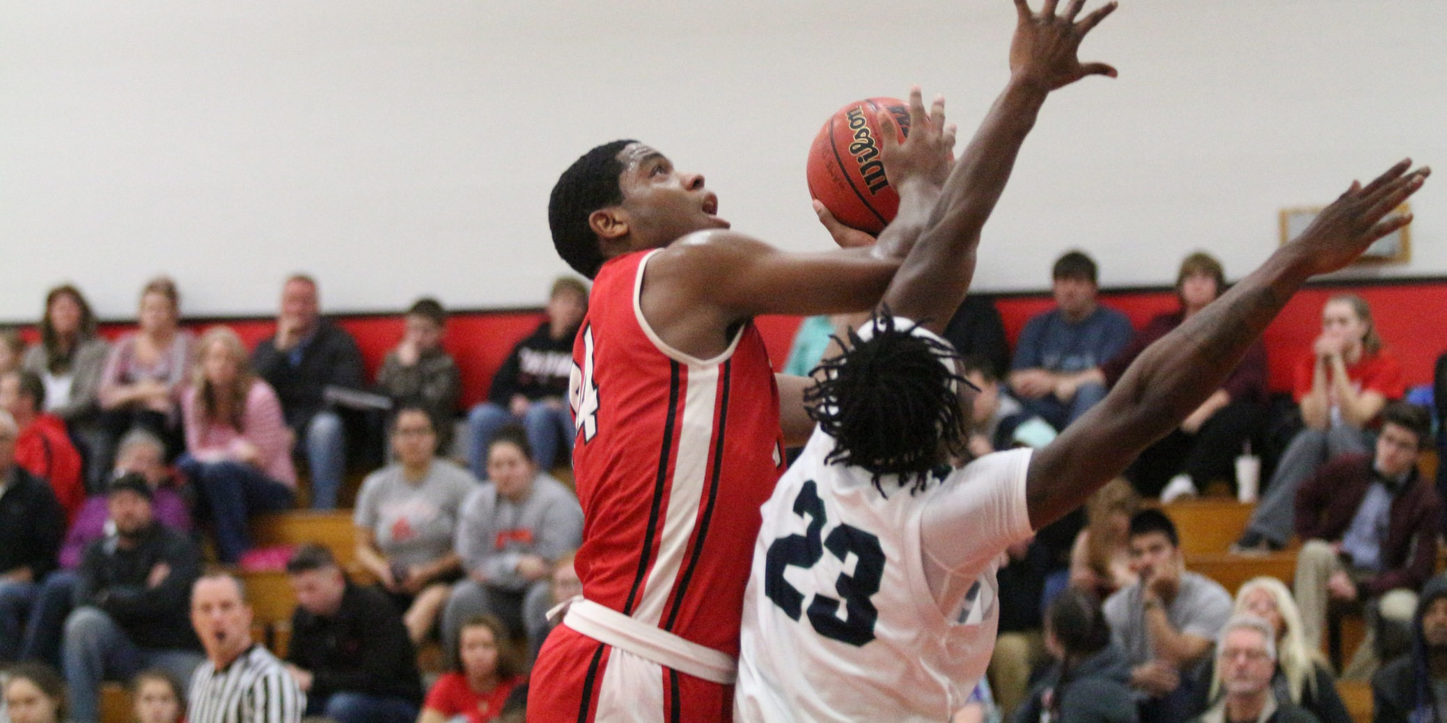 Men's Basketball Falls to Springfield, 74-53
