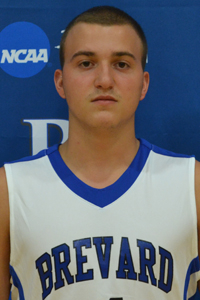 M. Basketball: Zach Bell