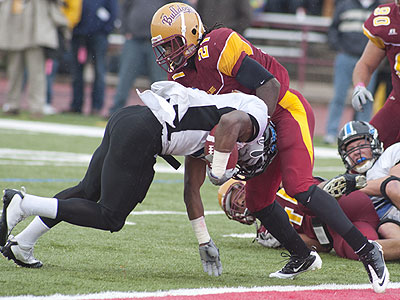 FSU's William Miles tries to make a stop near the endzone versus GVSU (Photo by Ed Hyde)