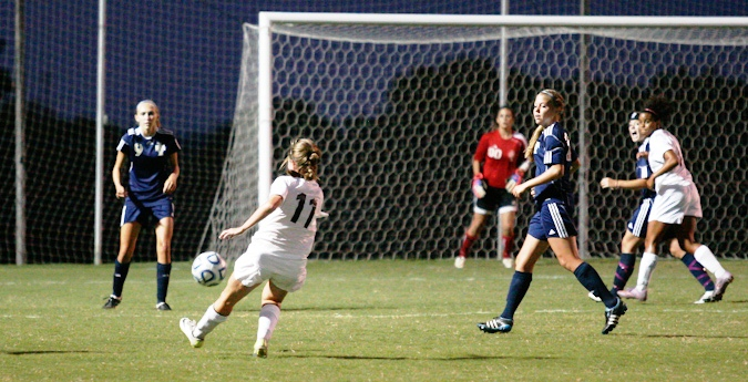 Win Streak Continues for Women's Soccer