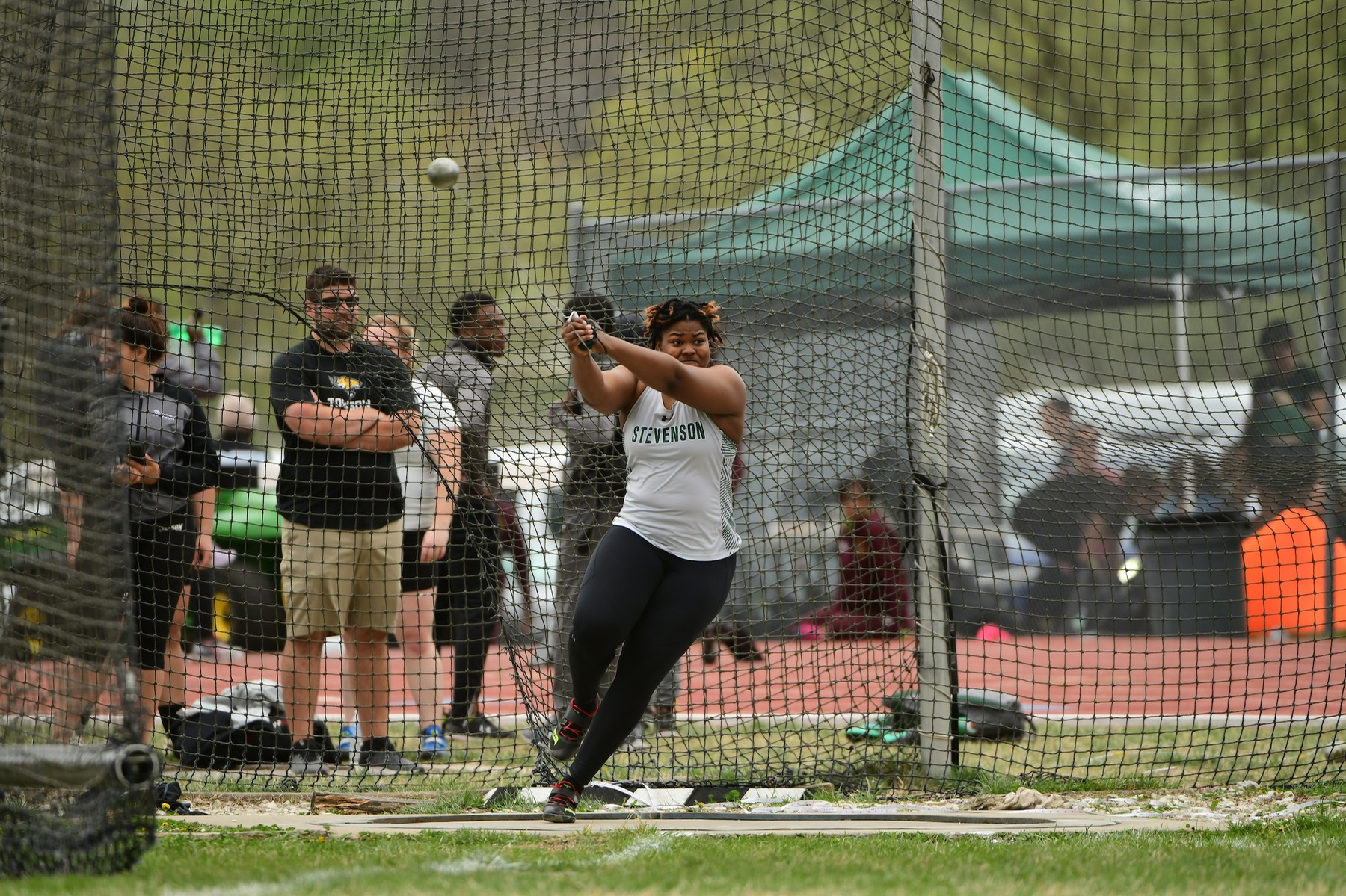Ani, Bishop Finish Third and Fourth in Hammer on First Day of MAC Championships