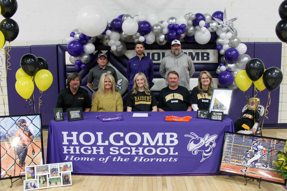 Holcomb senior Bailey Cupples signs to play softball at Three Rivers