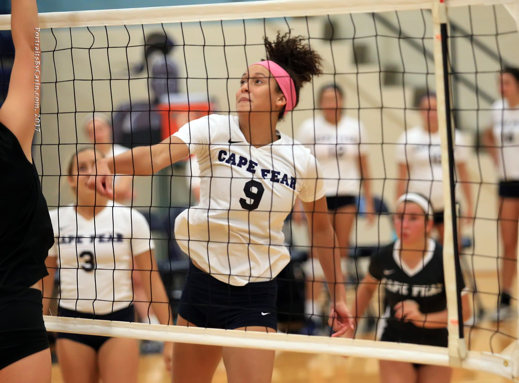 Volleyball Dominates Louisburg College