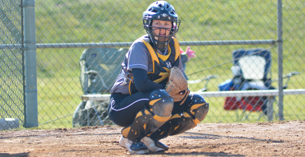 Sganga's Late Double Lifts Softball to DH Split at Maine