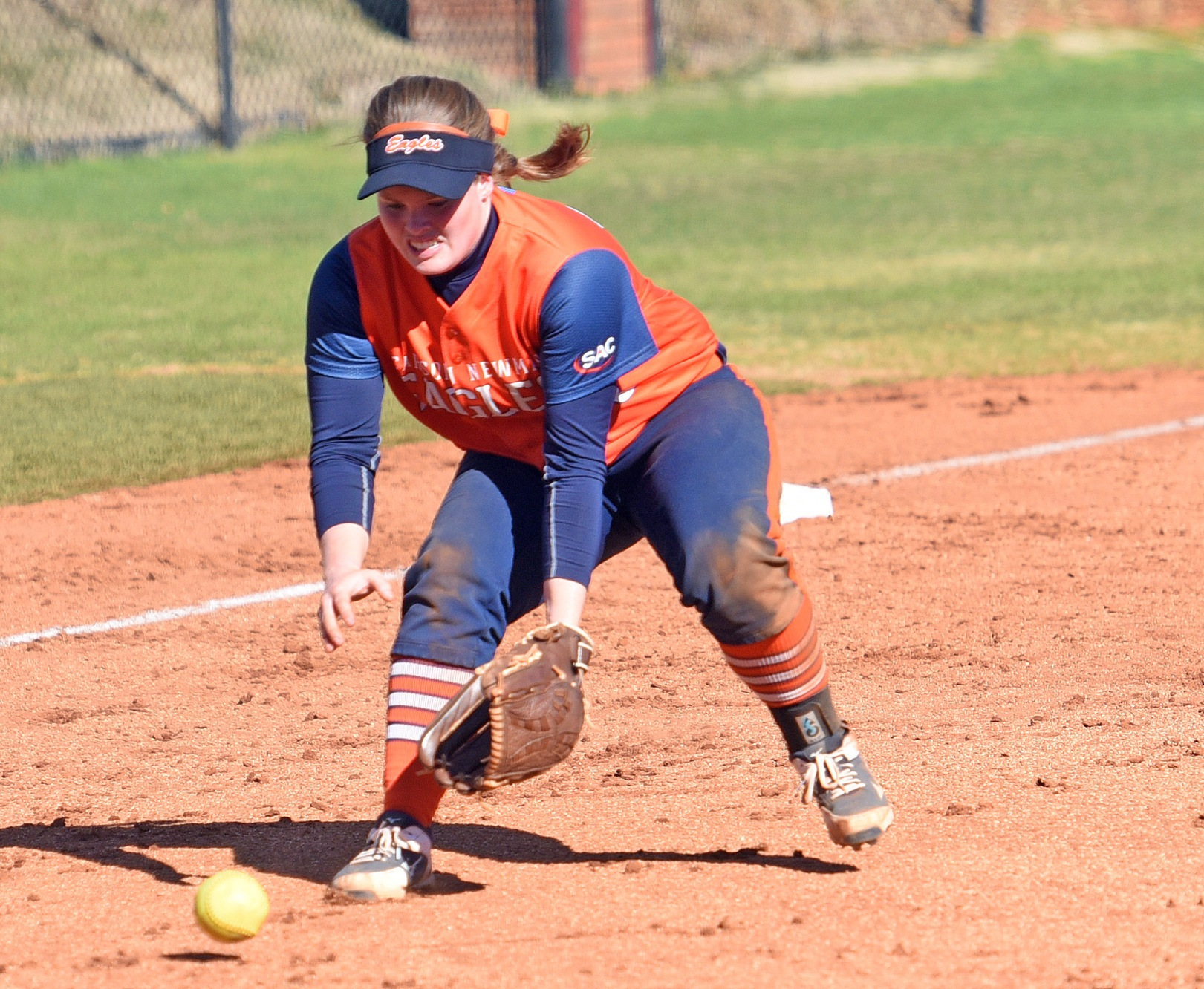 Eagles split day one at Mid-South Classic