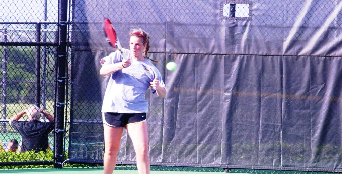 Tennis Dominates Ladies and Gents in Conference Play