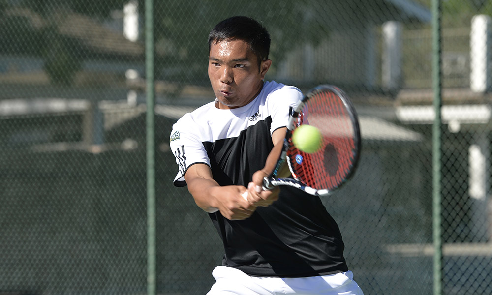 MEN'S TENNIS DROPS SEASON OPENER AT SAINT MARY'S