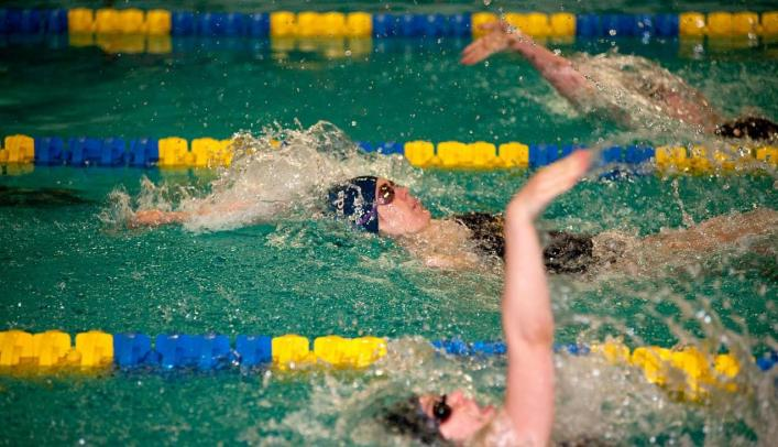 Women's Swimming & Diving Seventh at Rochester Invite