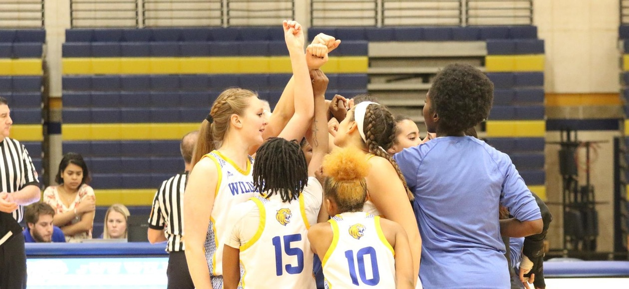Women's Basketball Storms Back to Beat Rivier 88-83 in OT