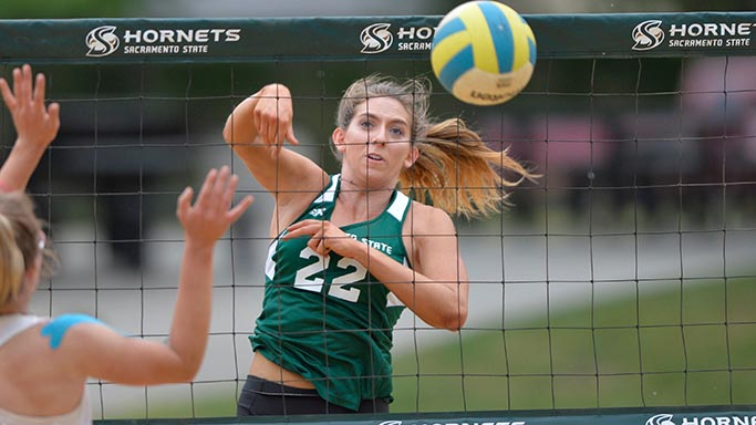 BEACH VOLLEYBALL DROPS 3-2 MATCHES TO BAKERSFIELD AND SAN JOSE STATE