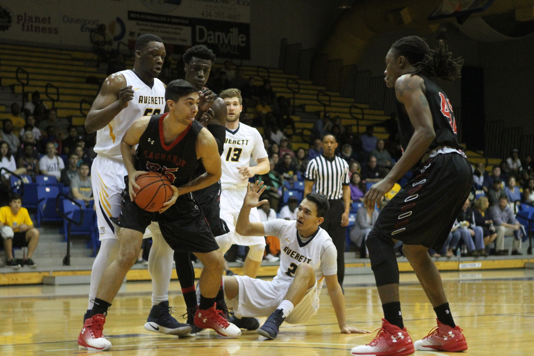Men's Basketball: Panthers upend top-seeded Averett to reach USA South Tournament title game