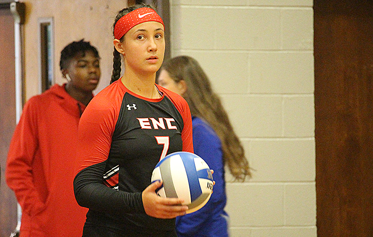 Women's Volleyball Posts Key Victory at Elms, 3-1