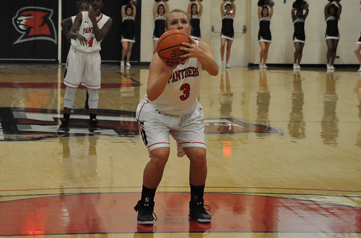 Women's Basketball: Panthers pull away from Covenant for fifth straight win