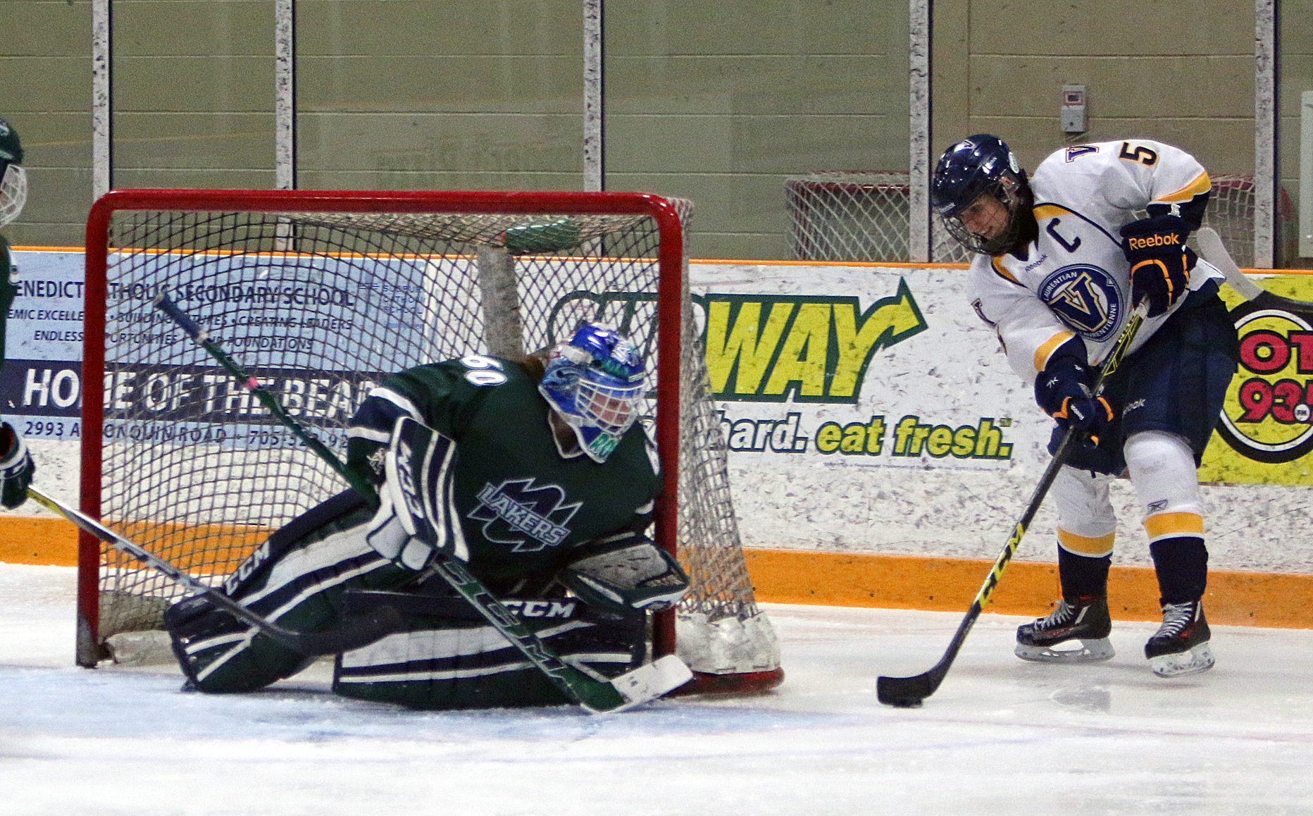 WHKY | Voyageurs Complete Six Point Weekend with 4-1 Win over U of T