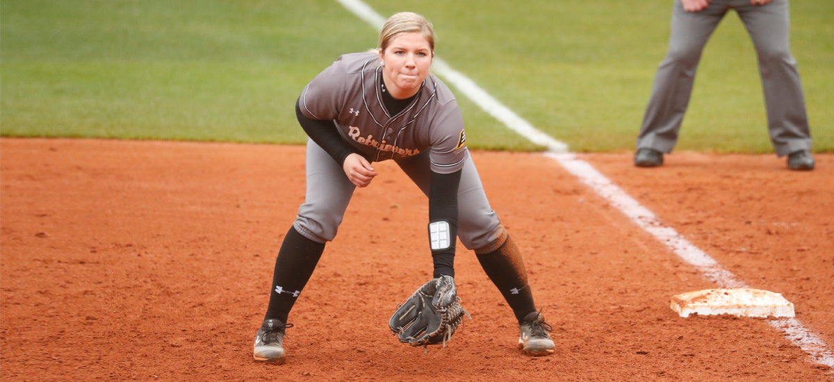 Hammett's Big Day Not Enough as Softball Drops Pair of 2-1 Heartbreakers at Stony Brook