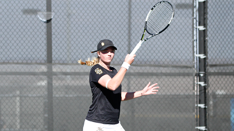 Women's tennis sweeps LeTourneau, edged by No. 36 Texas-Tyler on Saturday