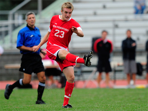 Bohrmann's OT goal lifts men's soccer past Vassar